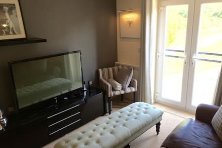 Modern Studio Apartment - Broughton - Apartemen