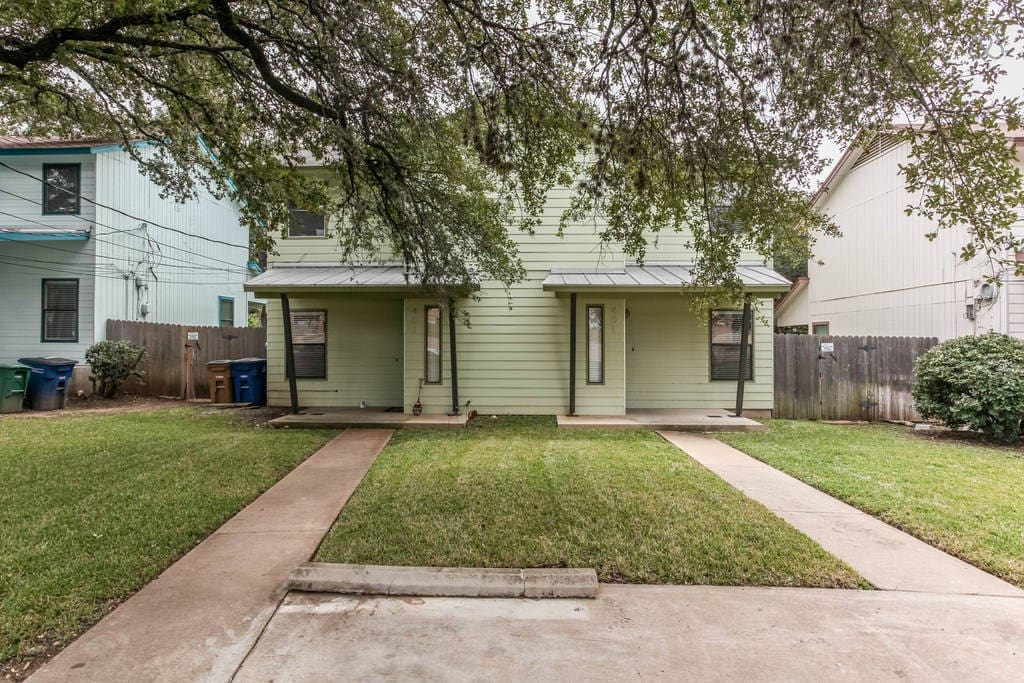 Beautiful room in heart of austin houses for rent in austin