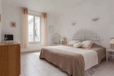 Charming B&B in wine resort  - Cazouls-lès-Béziers - Bed & Breakfast