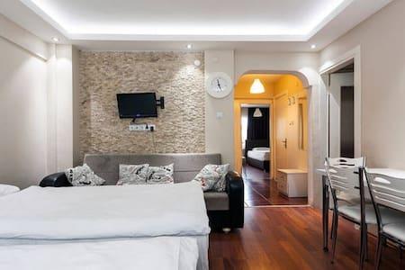 3 bedroom apartment with balcony 1 - fatih küçük Ayasofya  - Apartamento