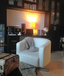 Bright, cozy apartment in Brickell - Miami - Bed & Breakfast