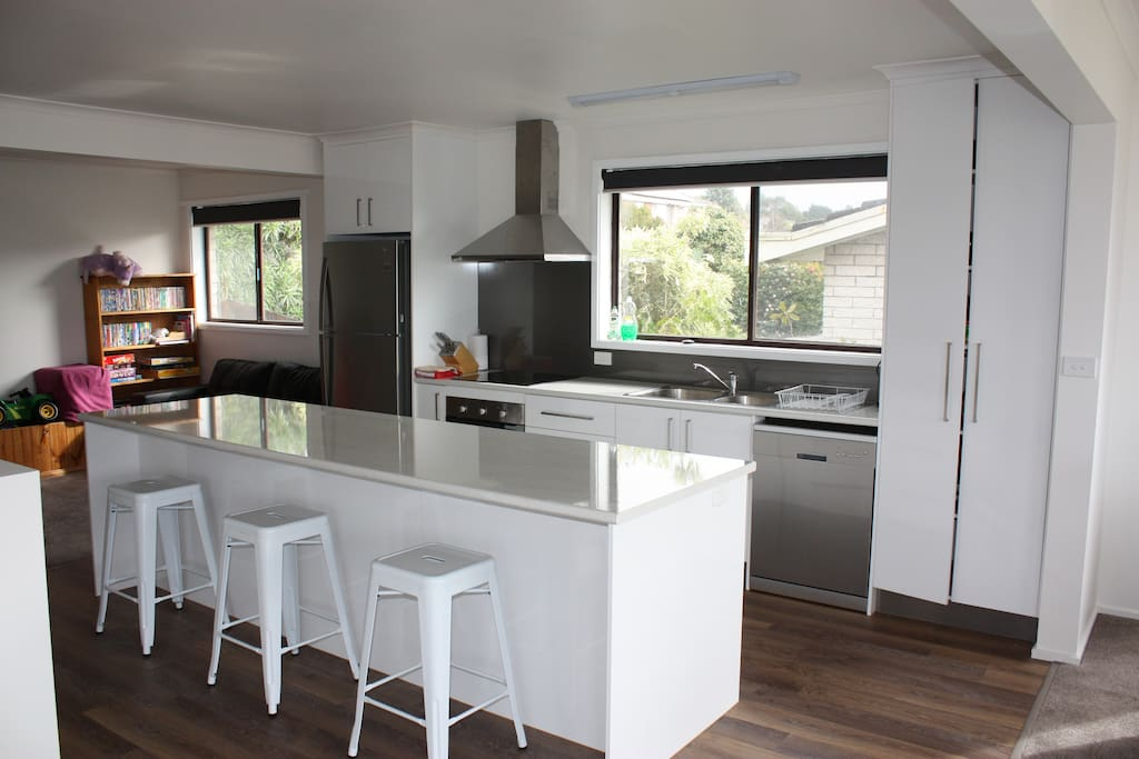 Magnificent new kitchen with island bench for our guests