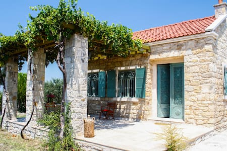 Cozy Country Cottage in Urla - Casa