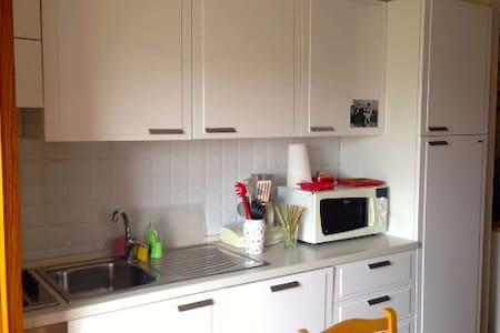 Delizioso appartamento a pochi passi dal mare - Lejlighed