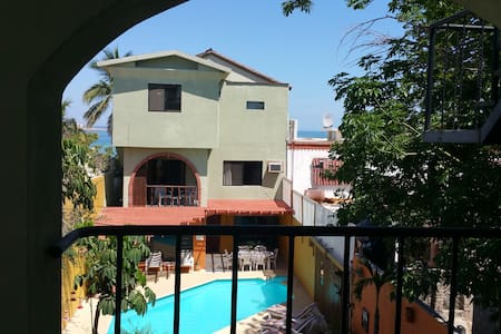 El Mirador South Room - La Paz - Bed & Breakfast