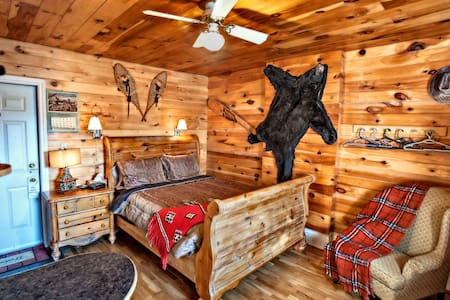 Western Hideout - Saint John - Bed & Breakfast