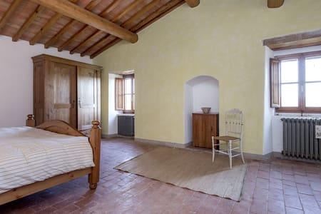 Peaceful Room in Poggio Bianco