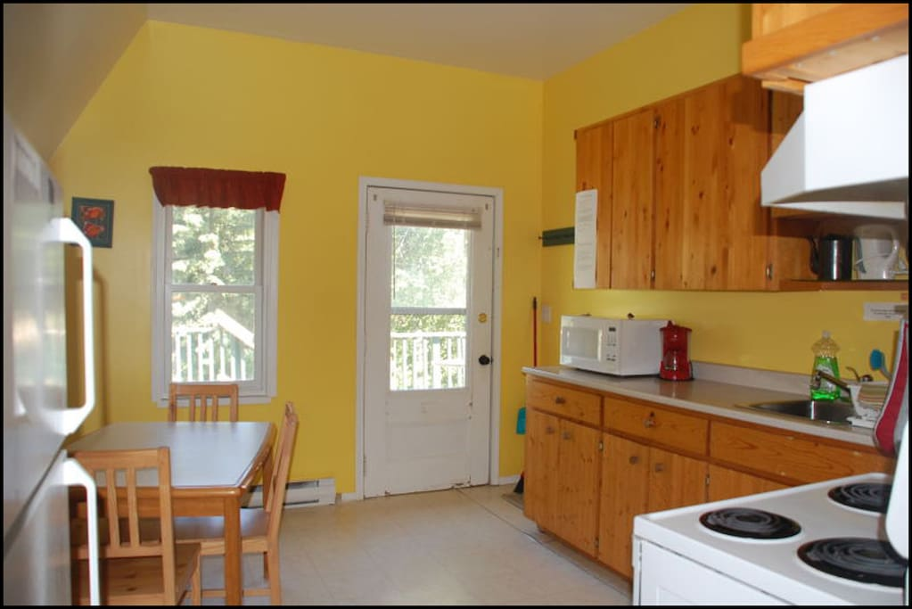 Large, bright, fully equipped kitchen. Perfect for making your meals or just a coffee.