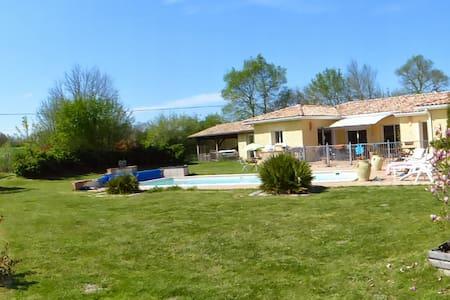 Entre Pyrénées et Toulouse--Piscine - Huis