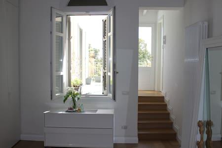 casa signorile massimo confort - House