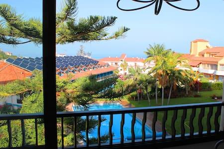 apartamento piscina playa WIFI
