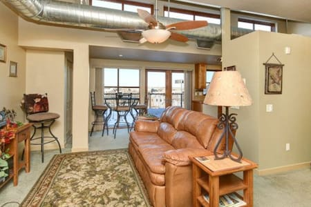 Top Floor Loft in Old Town - Fort Collins - Loft
