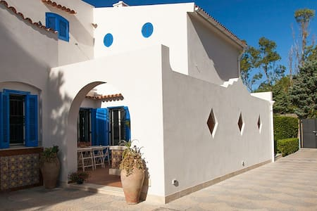 4 bd, patio, fireplace, pool - Villa
