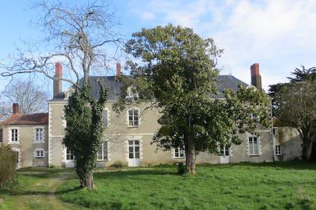 Tatiane Villa Pronzat - Lägenhet