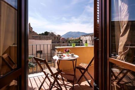 casa GIO' nel cuore di palermo .... - Palermo - Apartment
