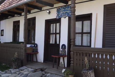 Kornis Ferenc. 8 - Maison