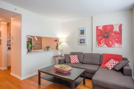 Central 1br parking included