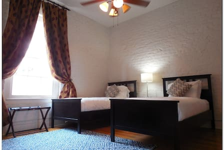 Huge French Quarter 3br Apt by Bourbon! BRAND NEW! - New Orleans - Apartment