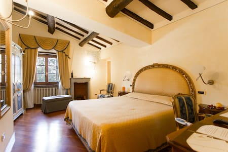 """Suite superior""- Villa R Luxury - Pietrasanta - Bed & Breakfast"