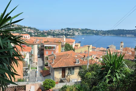 Nice studio with garden & sea view - Villefranche-sur-Mer - Apartment