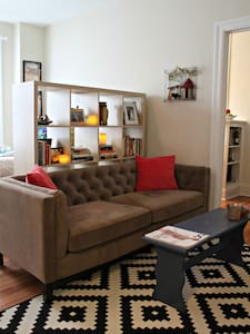 Bright, Beautiful Space in Dupont
