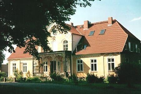Gutshaus Rögnitz, Schaalsee - Rögnitz - Apartamento