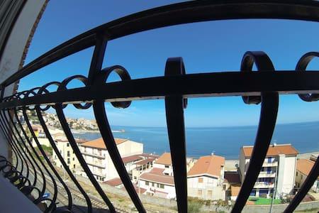 Vista sul mare da Casa Rocca Marina - Castel di Tusa