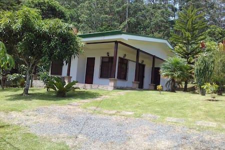 Casa de montaña ideal para descansar y pasear - Lakás