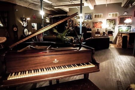 Artist Musician Maker Downtown Loft - Providence