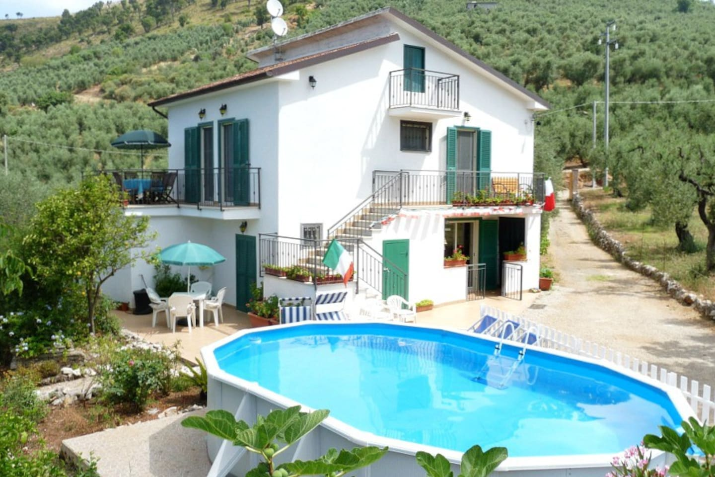 Tre Cancelle Farmhouse Apartments With New Swimming Pool