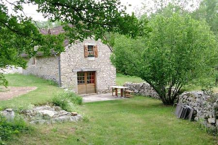 Ressourcement dans l'ancienne bergerie - Casa