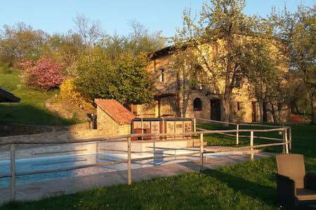 Apartm. old stone house 6+2 persons - Haus