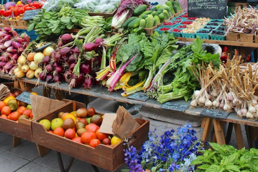 Historic Market Square hosts regular farmer's markets. We have a share in a local community garden which provides vegetables to members at the market, tell them you're our guest and you'll be provided with fresh vegetables free of charge!