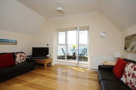 Premium beach front apartment - Lägenhet