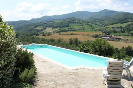appartamento in collina con piscina - Wohnung