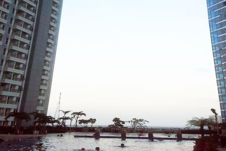 Apartemen Tanglin,Studio Supermall Surabaya - Huoneisto