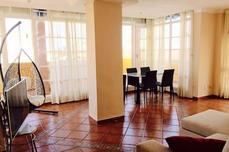Atico 2 dormitorios - Appartement