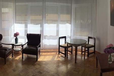 Apartamento luminoso céntrico Villa de Santoña. - Wohnung