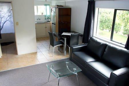 Private unit, best in Auckland - Apartment