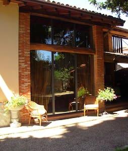 Casa sul giardino_Lago di Monate - Flat