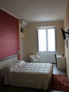ALLA CHIAZZETTA 1 ROOM - Bed & Breakfast
