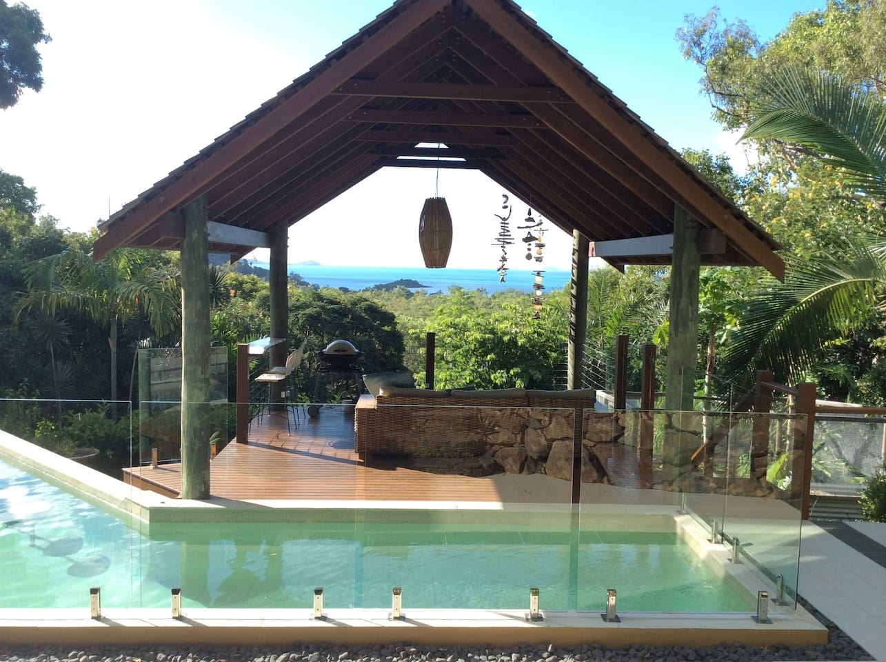 Tropical pool hut for your exclusive use