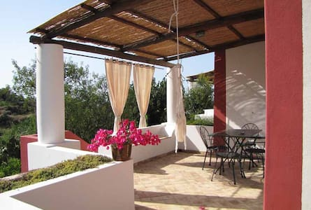 Il Gelso Vacanze Sud Ovest Salina - Malfa - Bed & Breakfast