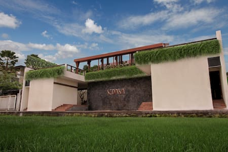 Sedasa Lodge Canggu Surf & Retreat3 - North Kuta - Bed & Breakfast