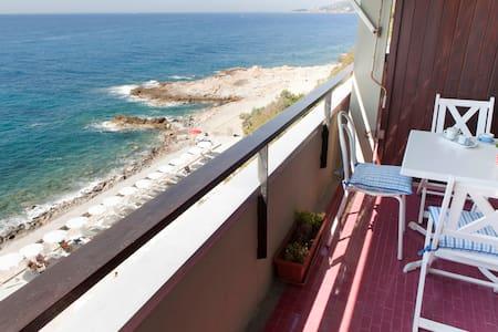 By the sea  studio  Sanremo - Ospedaletti