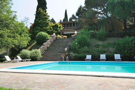 Villa Menta, is CHRISTMAS TIME! - Oggiono