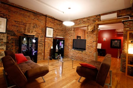 5BDR Large loft in Old Montreal