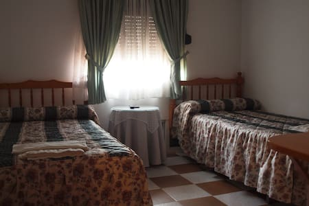2 habitaciones con baño completo - Garganta la Olla - Pis