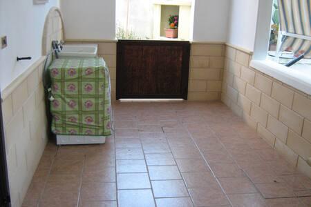 Affittasi appartamento a Ugento - Ugento - House