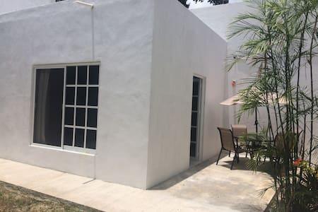 Backyard Private Room @Cancun downtown - Cancun - Casa a schiera